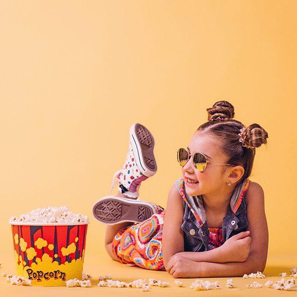 Курсът по моден дизайн за деца им дава свободата да изразяват своята индивидуалност, чрез средствата на приложните изкуства.