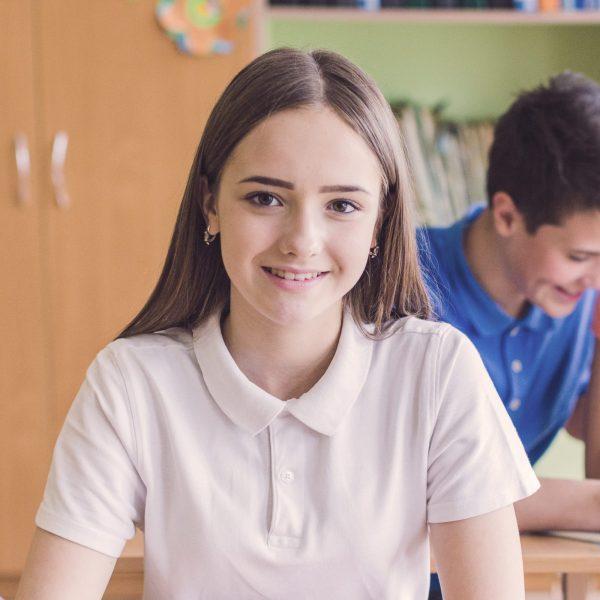 Курсове по английски език за деца в 5 и 6 клас. Системата Live Beat се състои се от четири нива, които помагат на учениците да развият концентрация и мотивация, за постигане на по-добри резултати от обучението.