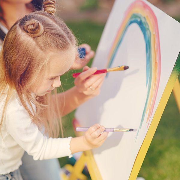 Обучение по рисуване за деца. Развитие на потенциалите чрез откривателство, въображение, приказки и игри.
