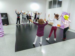 съвременен-танц-за-деца-tanci-za-deca-23