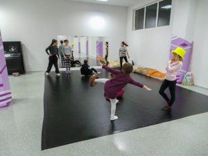 съвременен-танц-за-деца-tanci-za-deca-25