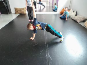 съвременен-танц-за-деца-tanci-za-deca-9