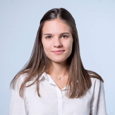 Александра Николова